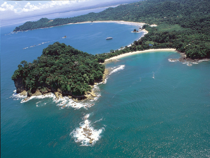 top10_costa-rica_coast-scene